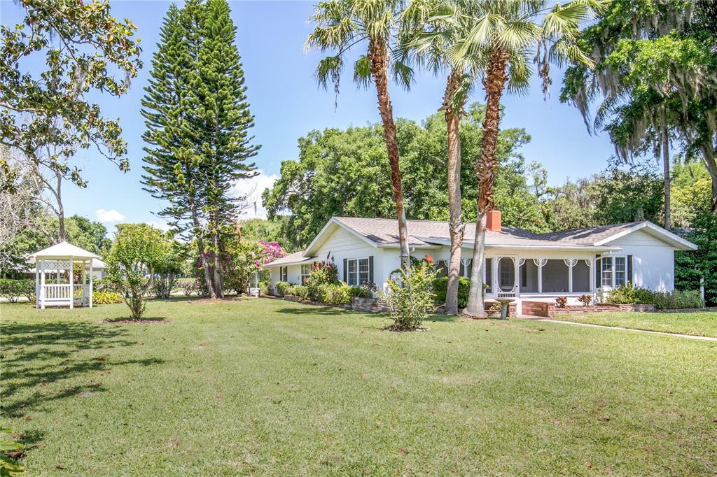 1635 GERTRUDE PLACE Property Photo - MOUNT DORA, FL real estate listing