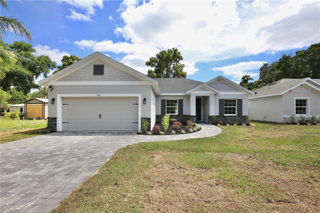 1414 E Lakeview Avenue Property Photo