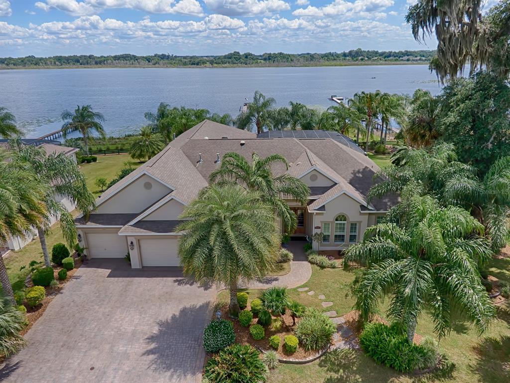 2292 N Clearwater Run N Property Photo