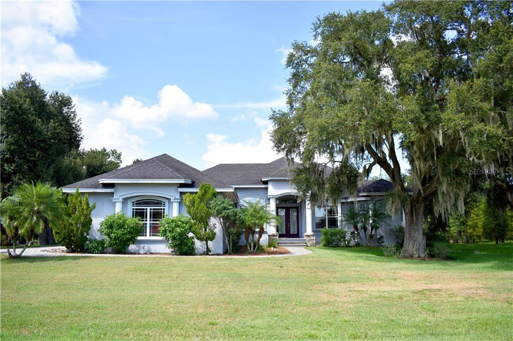 1060 FOX HUNT DR Property Photo - WINTER HAVEN, FL real estate listing