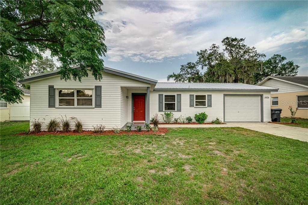 1426 DOLPHIN DR Property Photo - LAKELAND, FL real estate listing