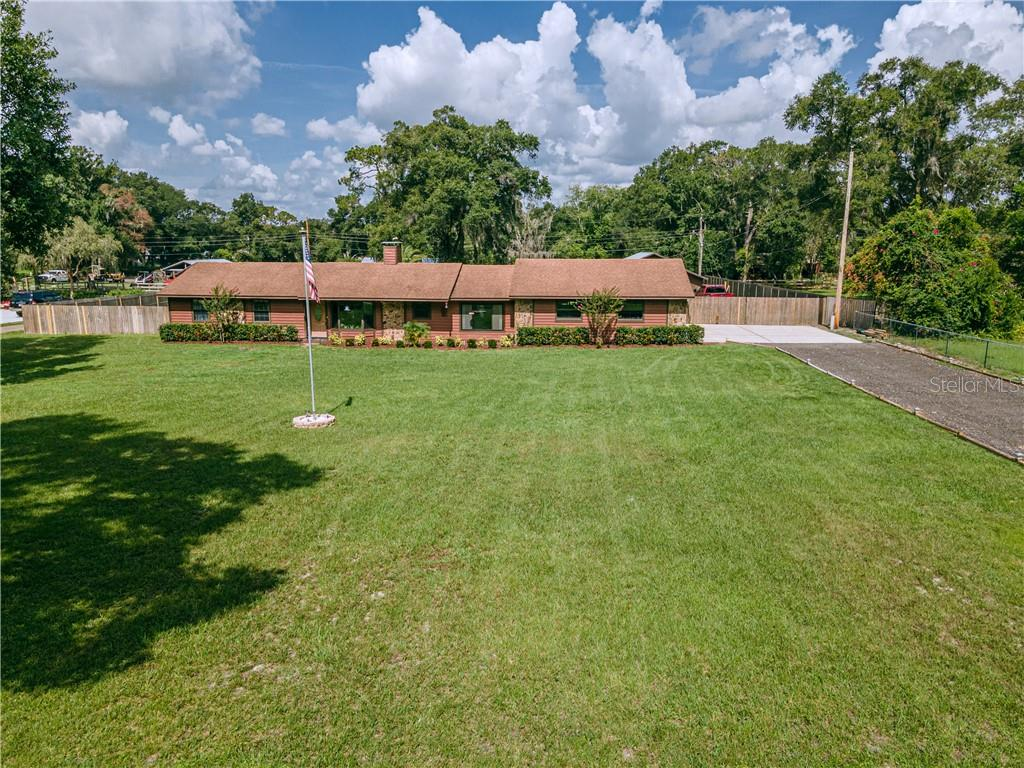 7230 PINEDALE DR Property Photo - LAKELAND, FL real estate listing