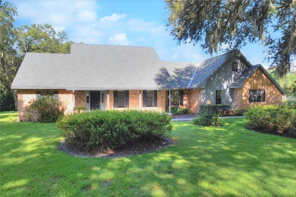 5625 SPRING LAKE DRIVE Property Photo - LAKELAND, FL real estate listing