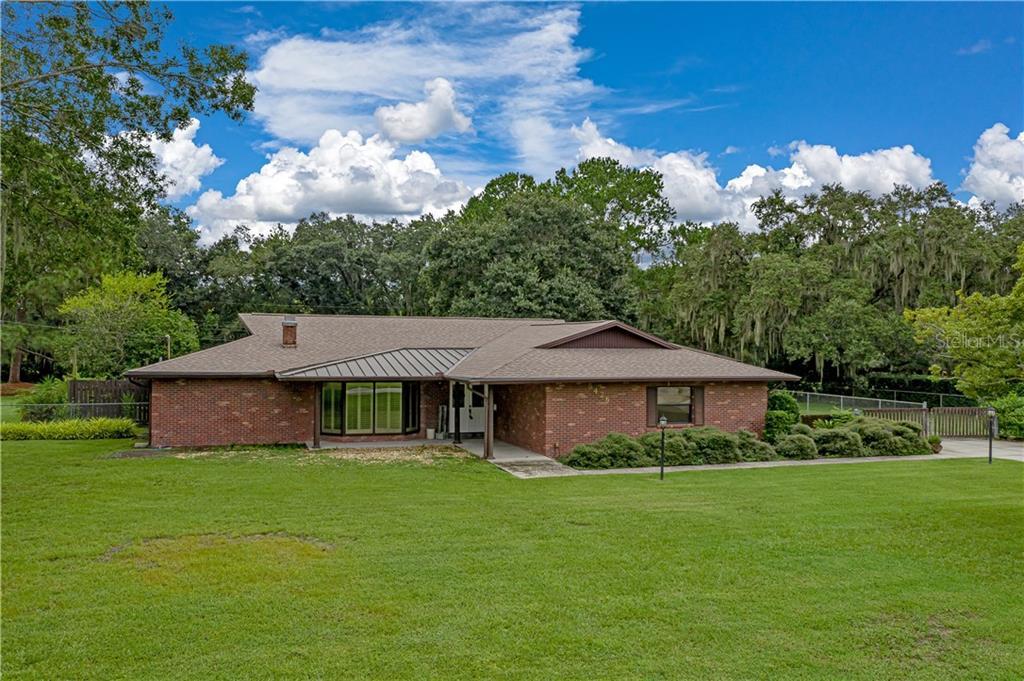 5426 SPRING LAKE DRIVE Property Photo - LAKELAND, FL real estate listing