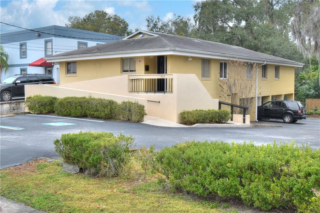 202 Allamanda Drive Property Photo