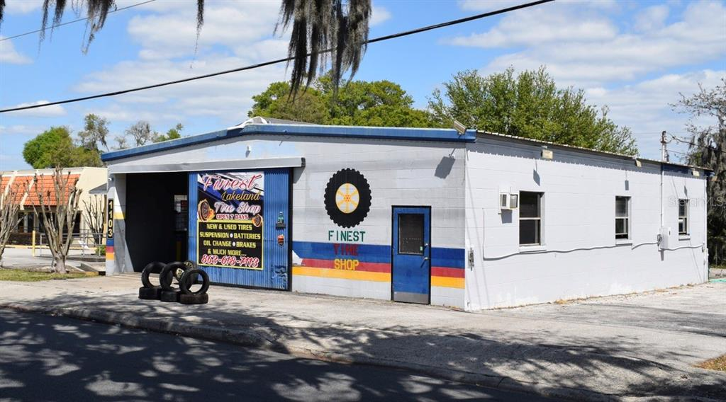 1103 LAKELAND HILLS BOULEVARD Property Photo - LAKELAND, FL real estate listing