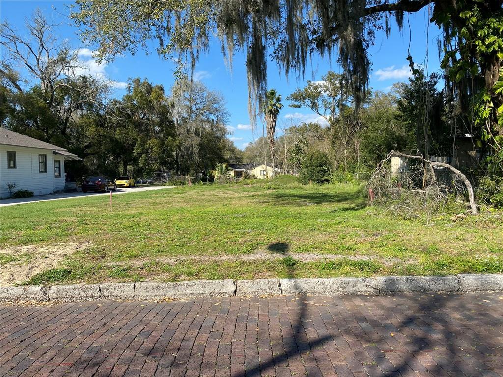 1115 W Walnut Street Property Photo