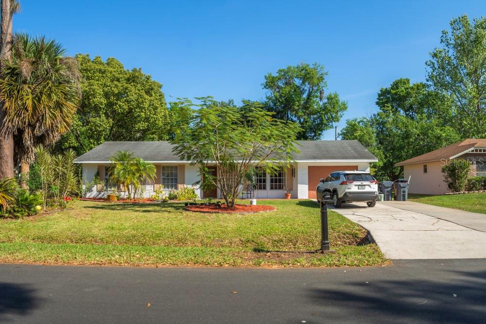 3424 Lori Lane N Property Photo