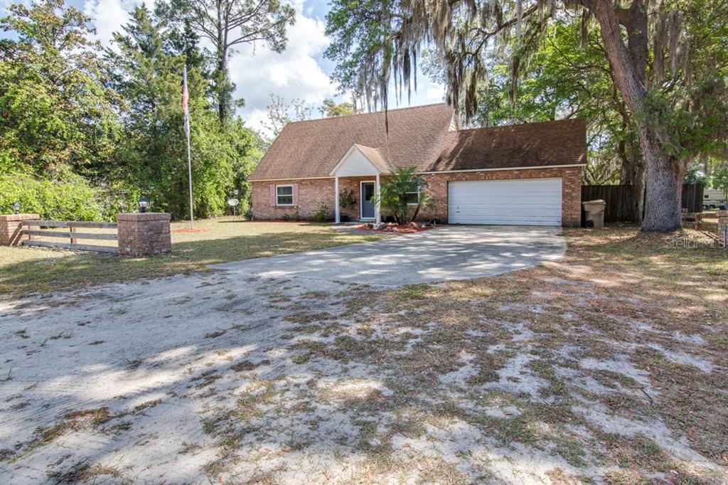 43542 DIXIE DRIVE Property Photo - PAISLEY, FL real estate listing