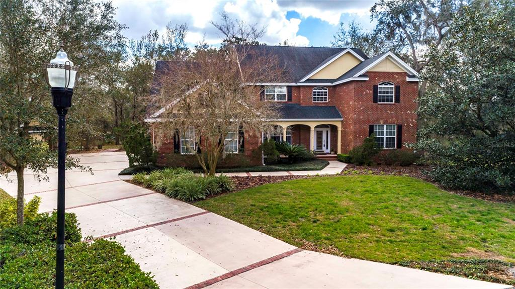 7375 Millbrook Oaks Dr Property Photo