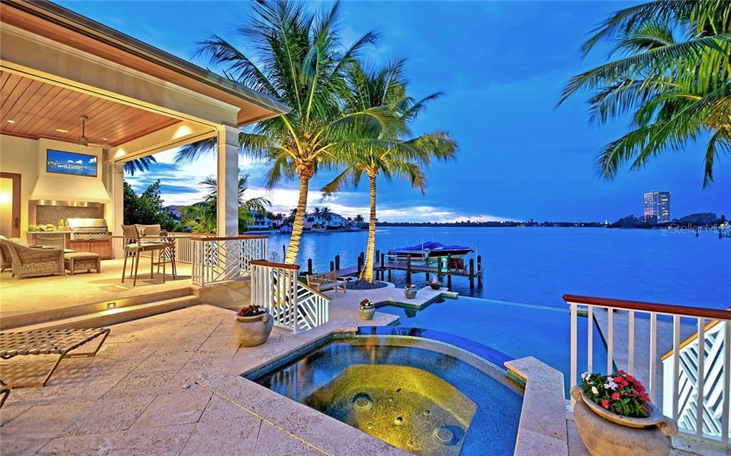 304 BIRD KEY DR, SARASOTA, FL 34236 - SARASOTA, FL real estate listing