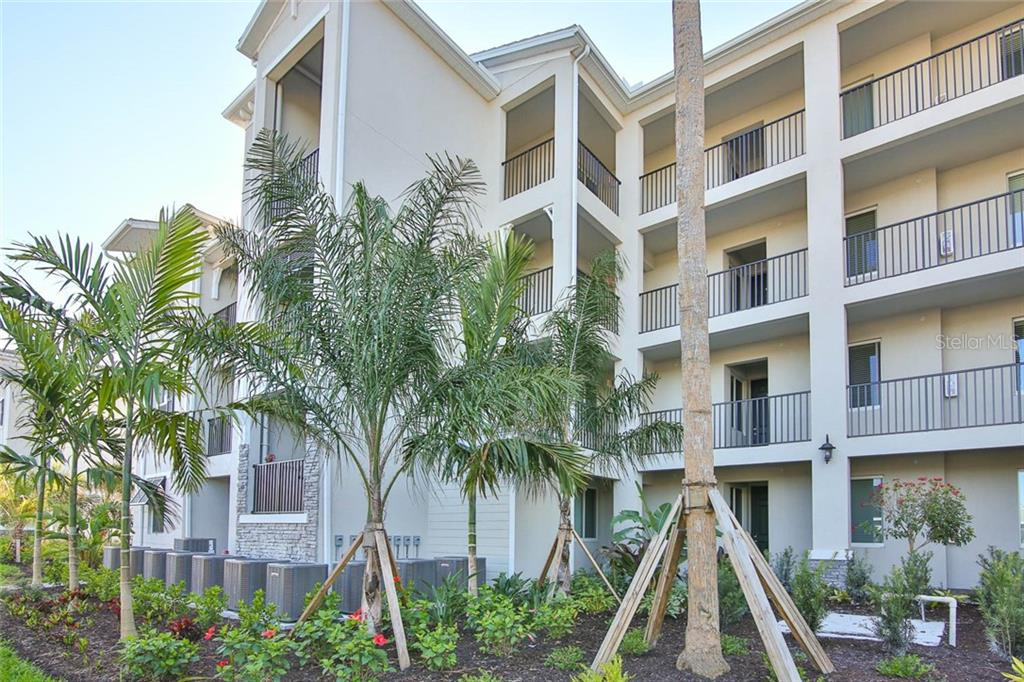 64400 Real Estate Listings Main Image