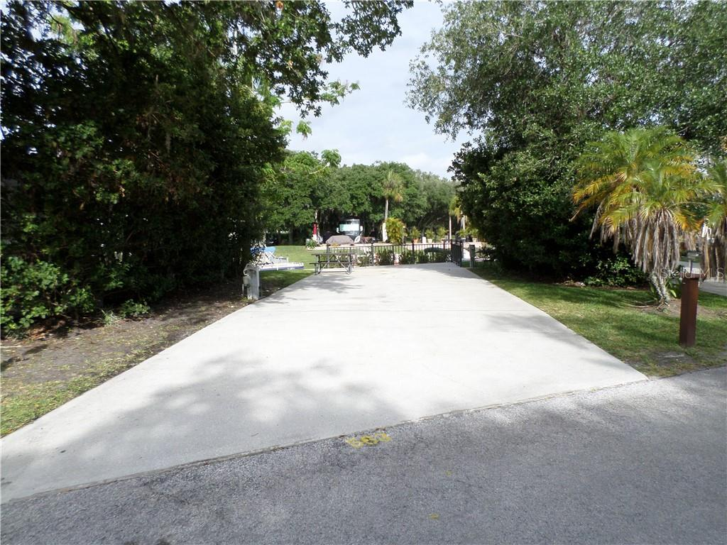 563 WATERWAY DR, RIVER RANCH, FL 33867 - RIVER RANCH, FL real estate listing
