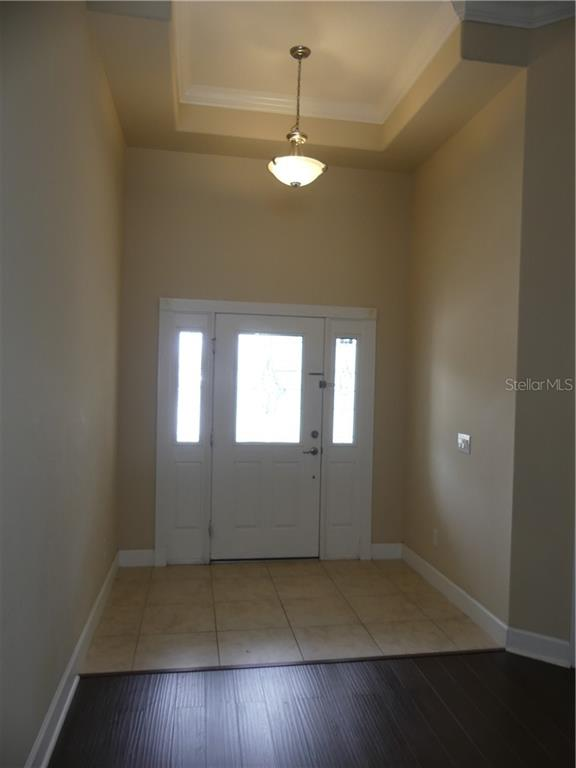 14824 Cableshire Way Property Photo 9