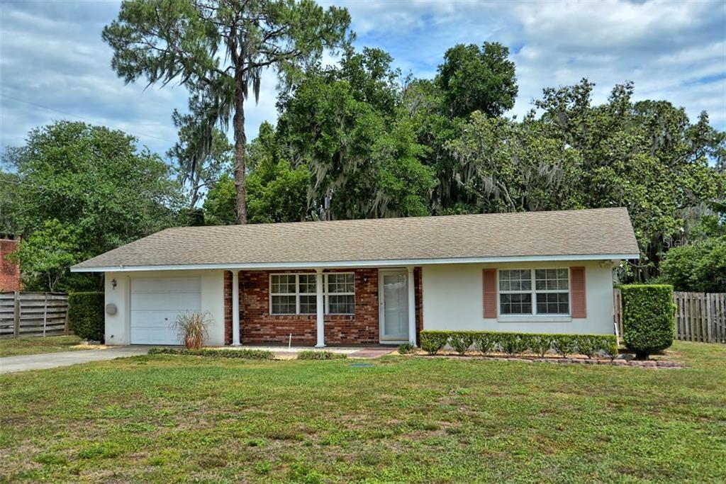 1040 SHORE ACRES RD Property Photo - MOUNT DORA, FL real estate listing