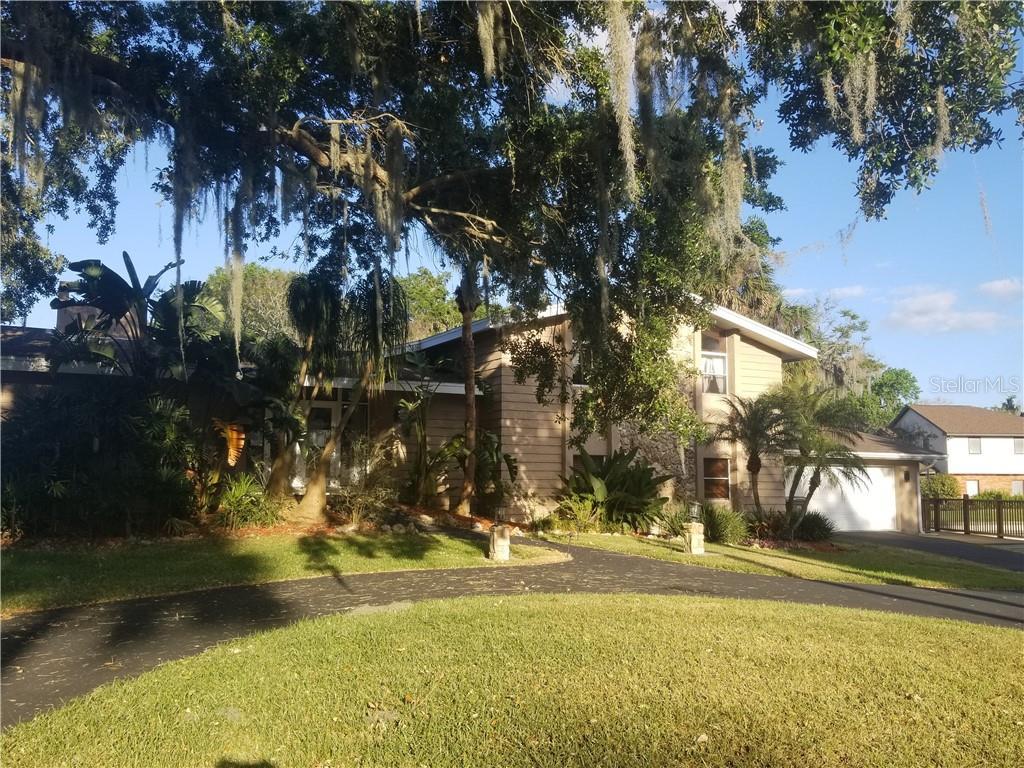 19 LAKESHORE DR, YALAHA, FL 34797 - YALAHA, FL real estate listing