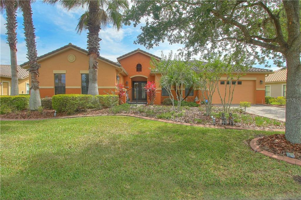915 SAN RAPHAEL STREET Property Photo - POINCIANA, FL real estate listing