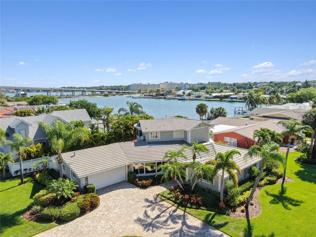 111 DRIFTWOOD LN Property Photo - BELLEAIR BLUFFS, FL real estate listing