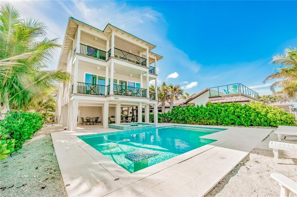 881 N Shore Dr Property Photo