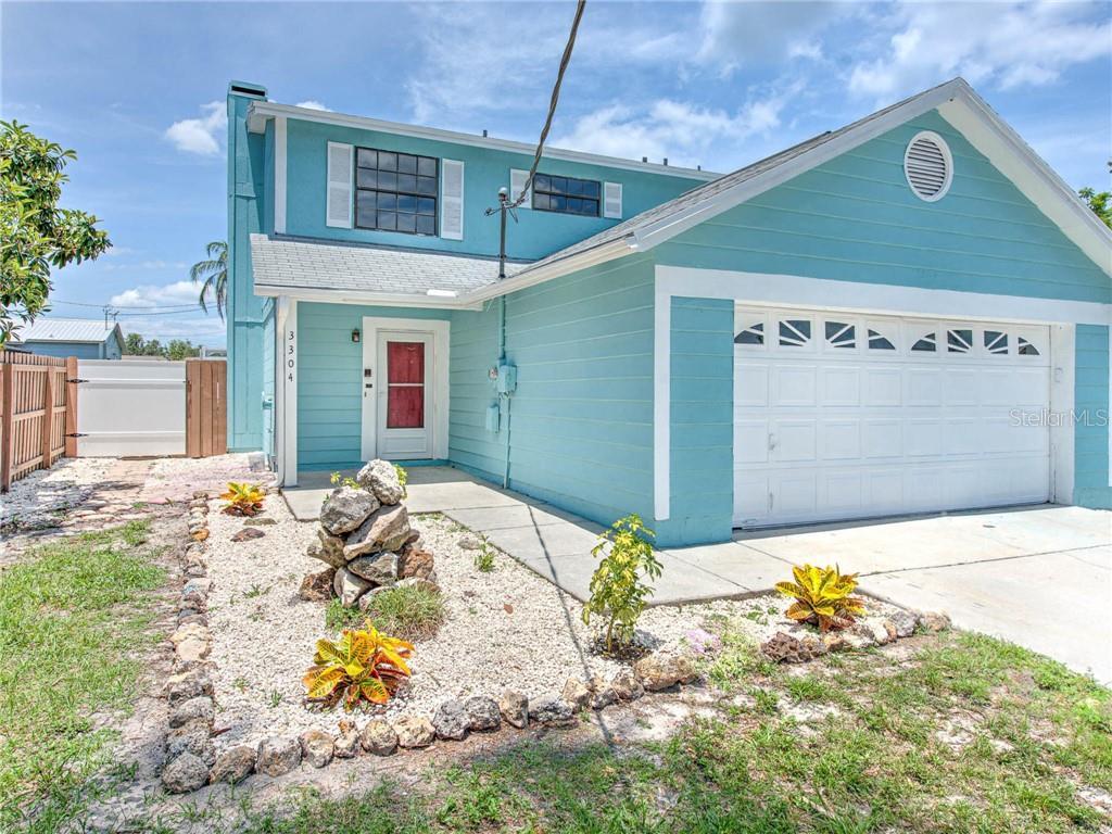 3304 N Lake Dr Property Photo