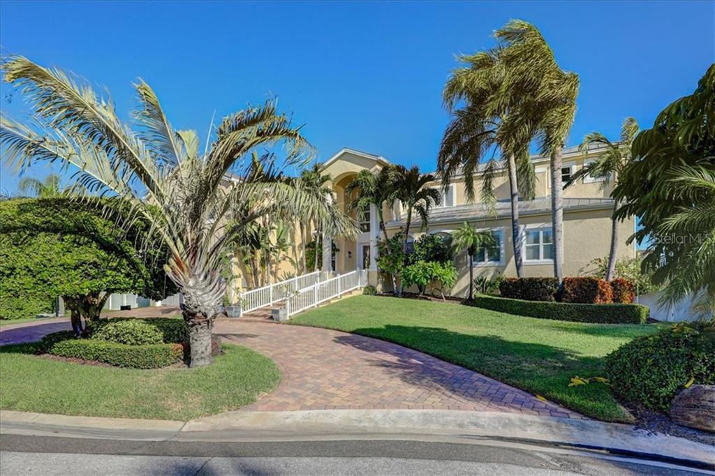 215 HARRISON AVE, BELLEAIR BEACH, FL 33786 - BELLEAIR BEACH, FL real estate listing