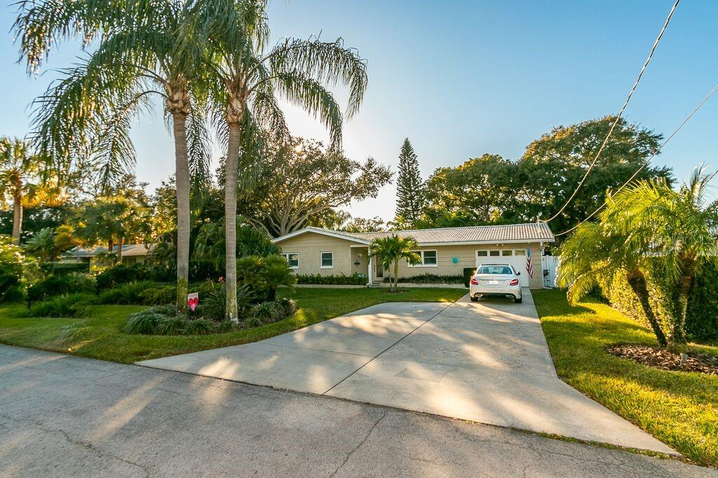 546 PALMER RD, BELLEAIR BLUFFS, FL 33770 - BELLEAIR BLUFFS, FL real estate listing
