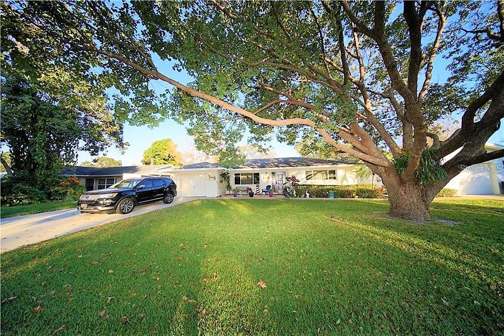 4367 56TH ST N, KENNETH CITY, FL 33709 - KENNETH CITY, FL real estate listing