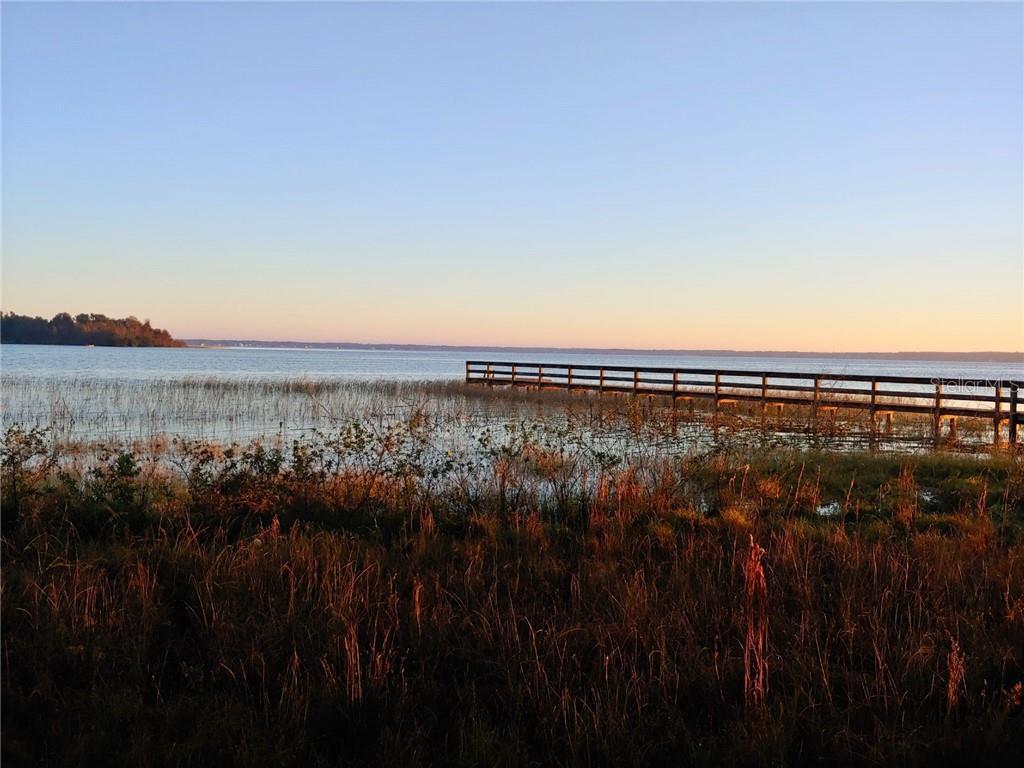 12115 Se Sunset Harbor Rd Property Photo
