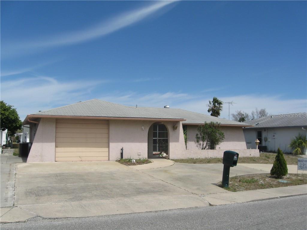 7125 Isle Dr Property Photo