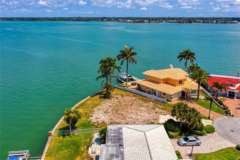 2246 DONATO DR Property Photo - BELLEAIR BEACH, FL real estate listing