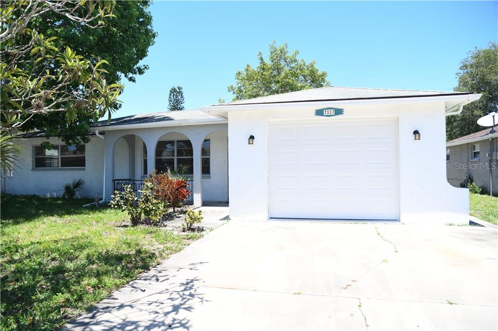 7337 Fairfax Dr Property Photo
