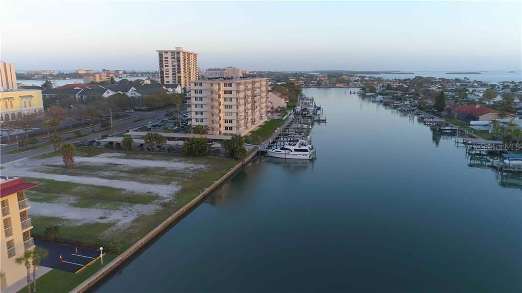 125 ISLAND WAY Property Photo - CLEARWATER, FL real estate listing