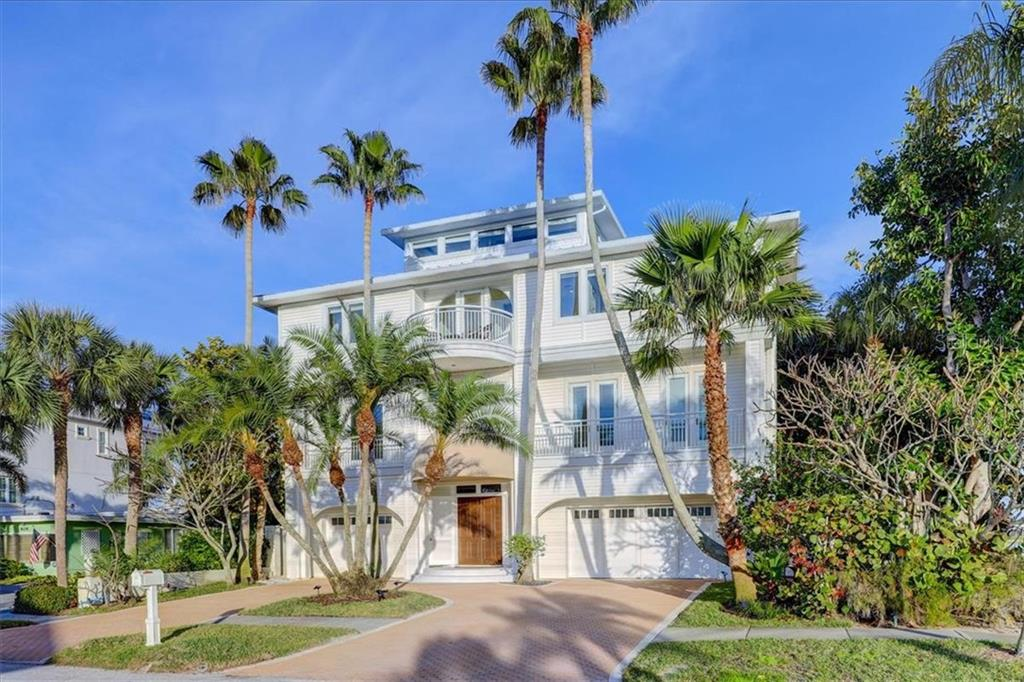 821 BAY ESPLANADE Property Photo - CLEARWATER BEACH, FL real estate listing