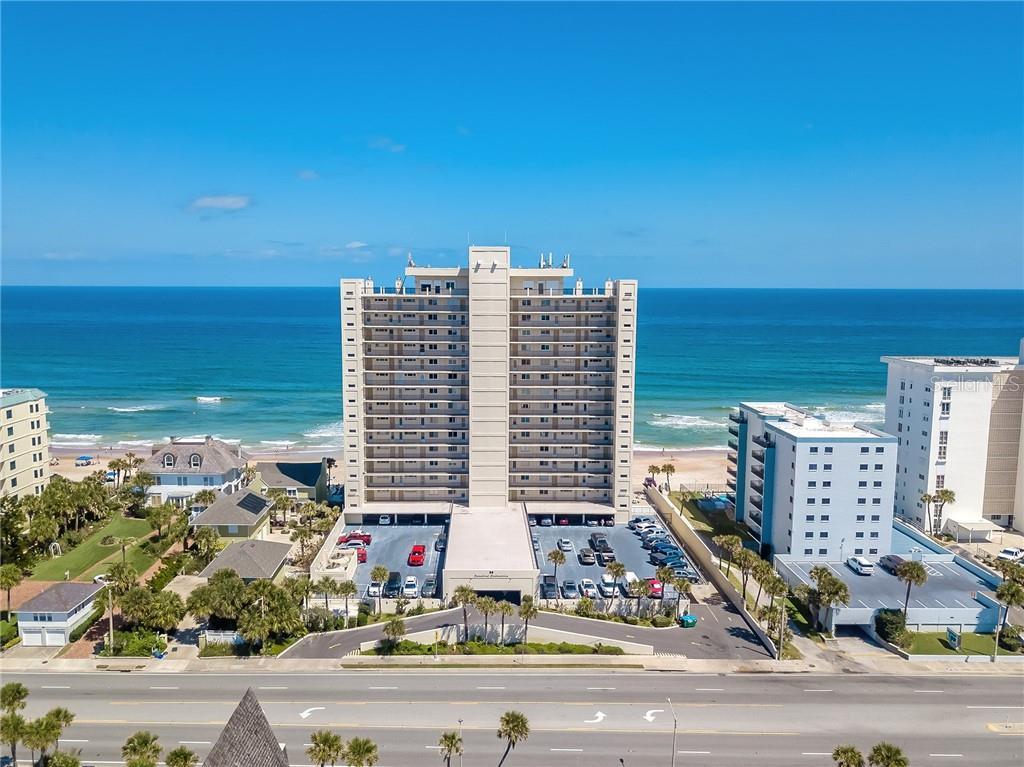 89 Oceanfront Real Estate Listings Main Image