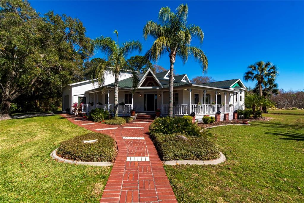 9215 Ridge Rd Property Photo
