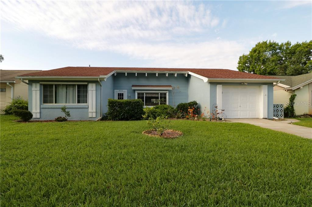 8602 LINCOLNSHIRE DR Property Photo - BAYONET POINT, FL real estate listing