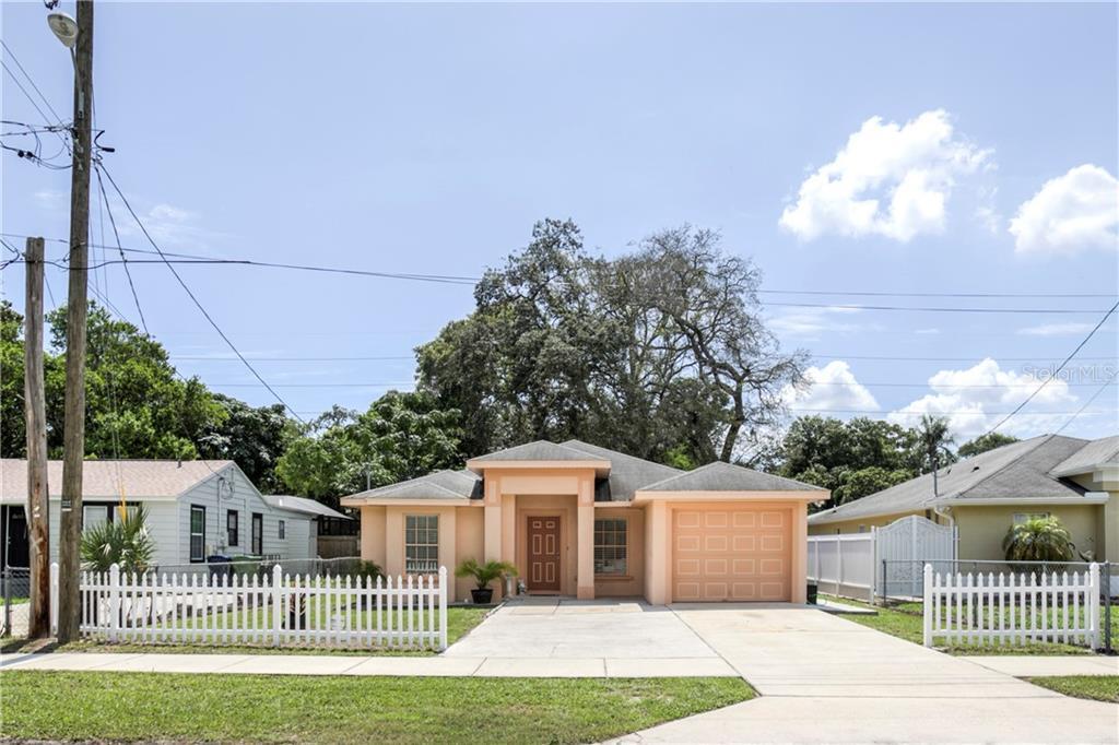 9512 N Oakleaf Ave Property Photo