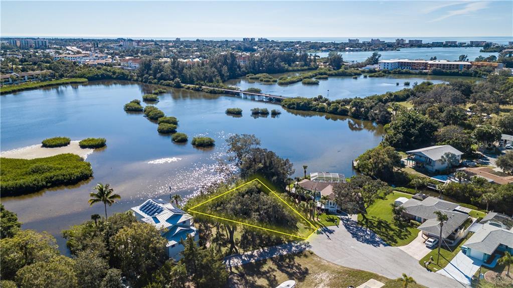 SUNCREST DR Property Photo - NOKOMIS, FL real estate listing