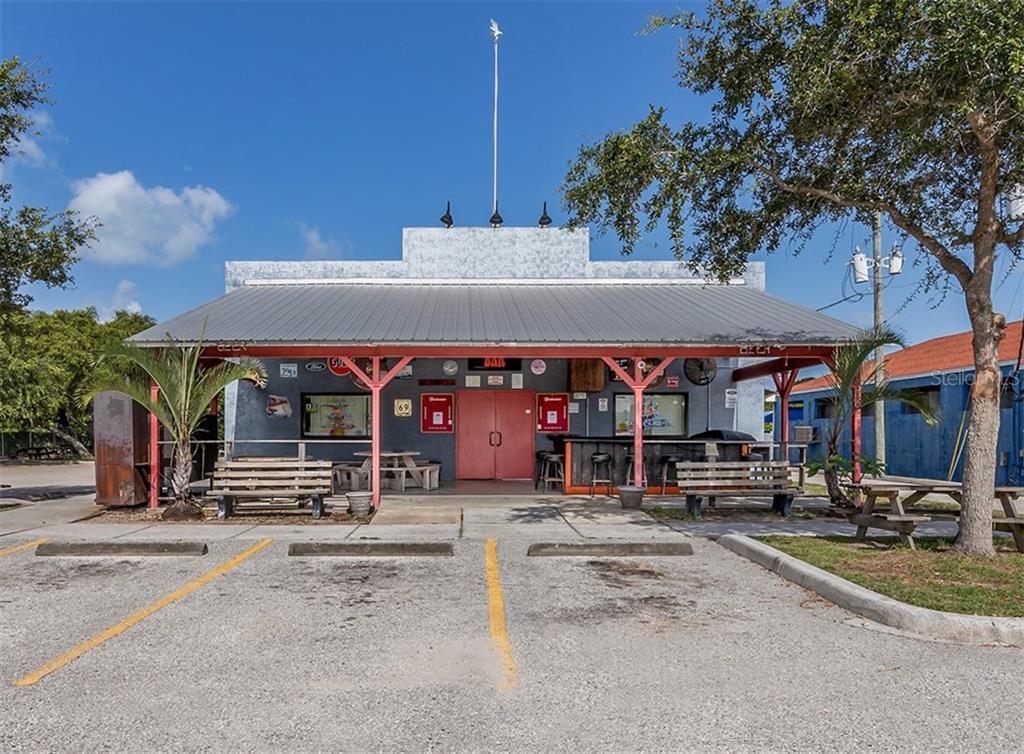748 S Tamiami Trail Property Photo