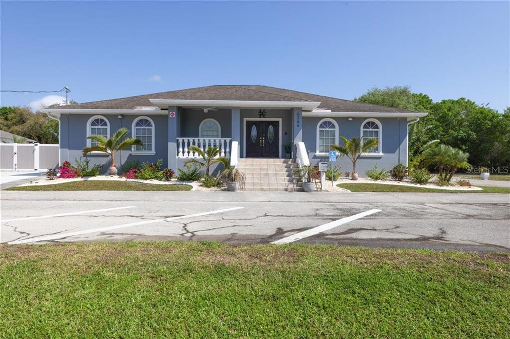 4344 LAURA STREET Property Photo - PORT CHARLOTTE, FL real estate listing