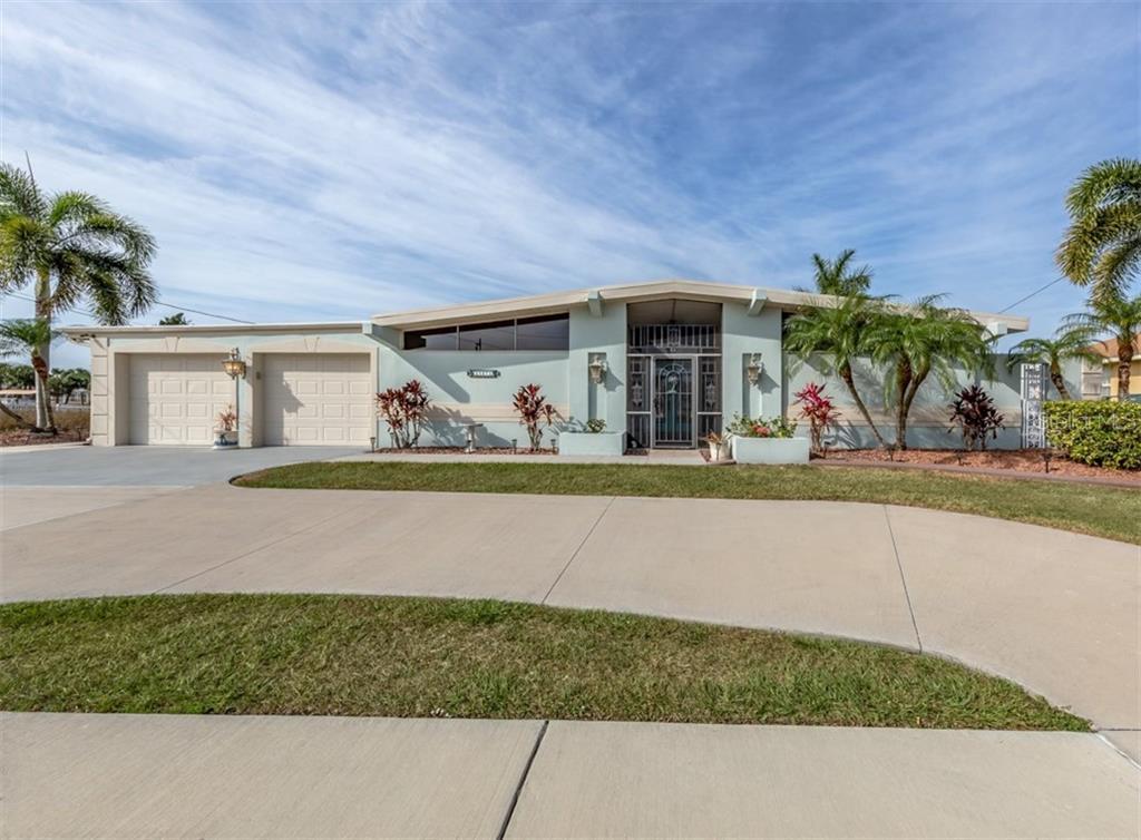 21073 EDGEWATER DRIVE Property Photo - PORT CHARLOTTE, FL real estate listing