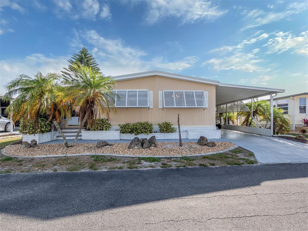 Alameda Isles Real Estate Listings Main Image