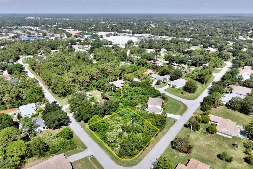 705 TUXEDO TER Property Photo - SEBASTIAN, FL real estate listing