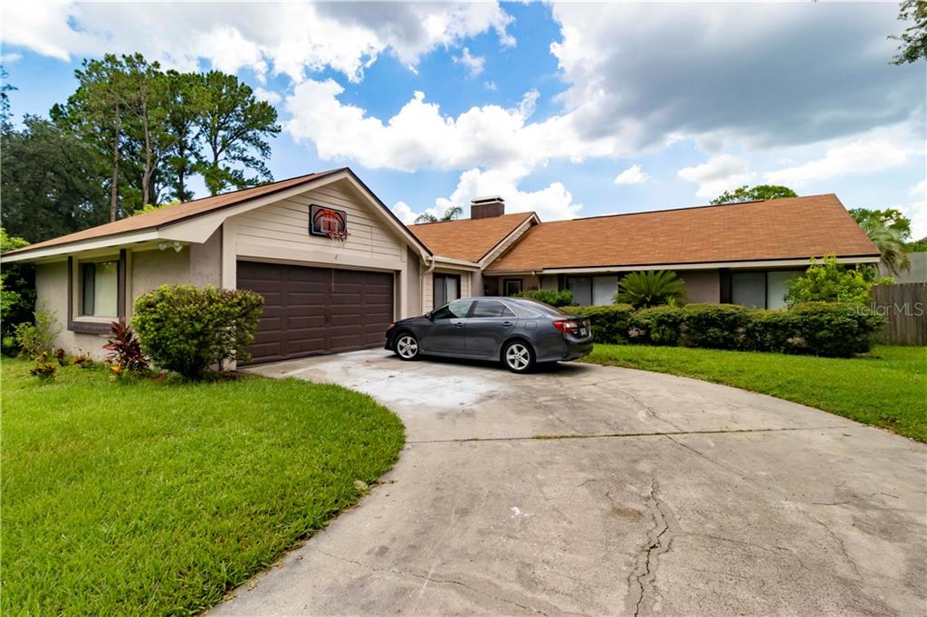 11807 NICKLAUS CIR Property Photo - TAMPA, FL real estate listing