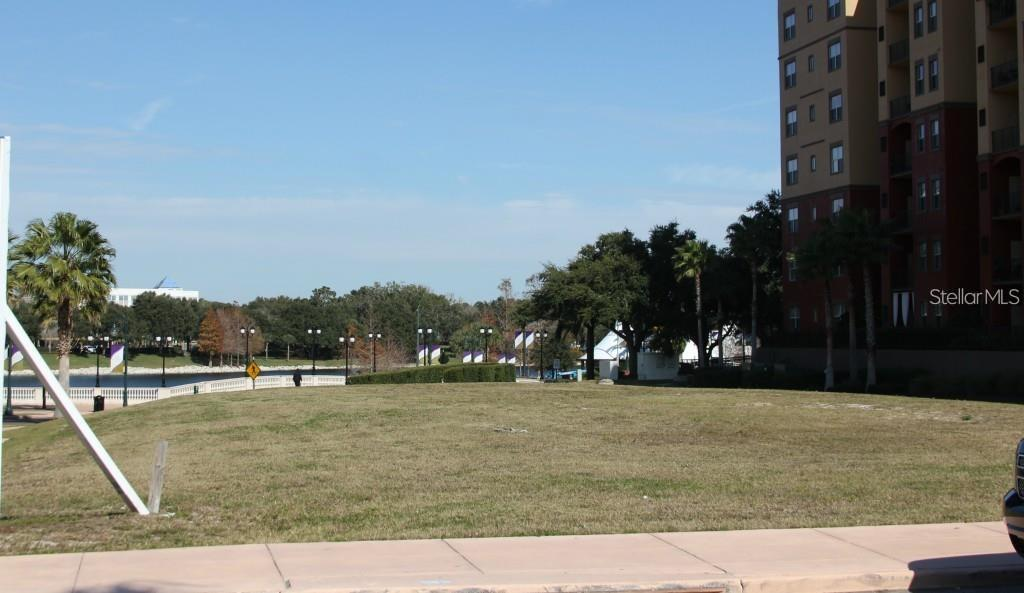 225 Cranes Roost Boulevard Property Photo