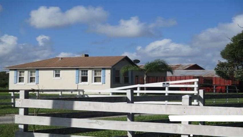 4501 Fanny Bass Road Property Photo 1