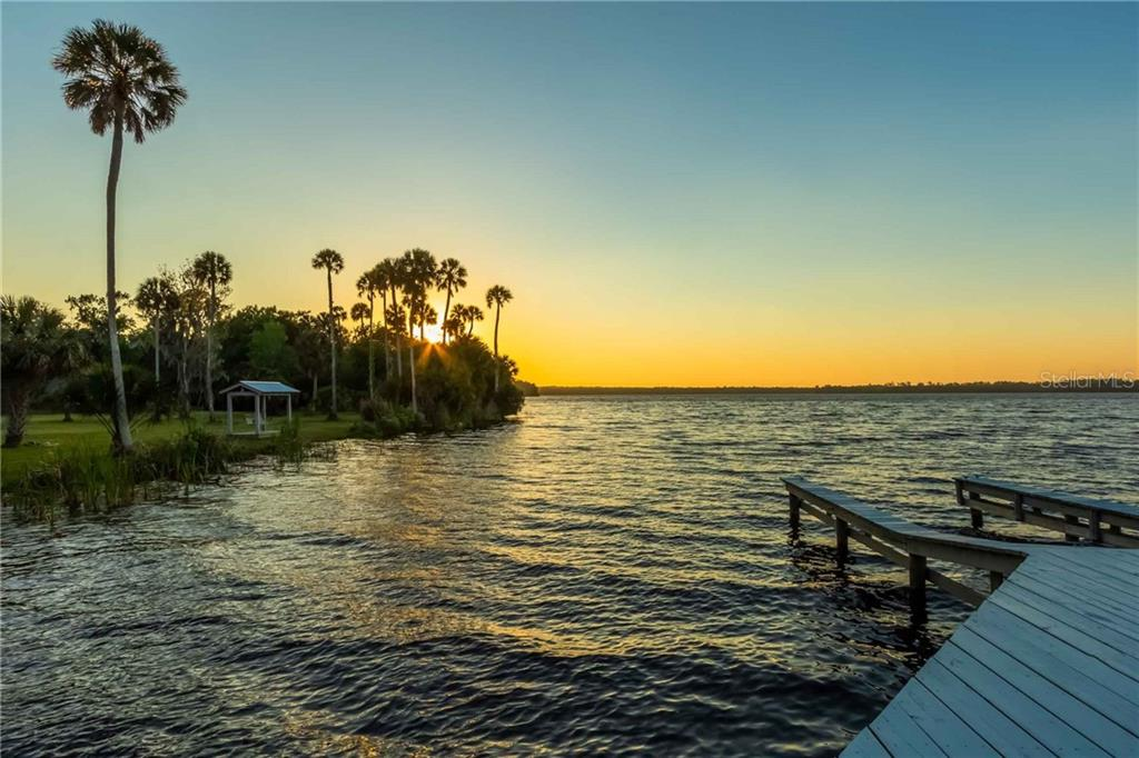 162 HOG ISLAND (PRIVATE ISLAND) DR Property Photo - PALATKA, FL real estate listing