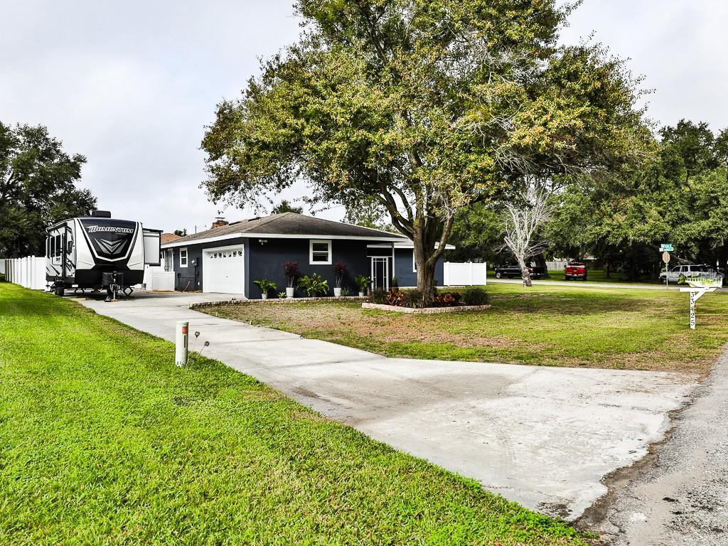 33425 PICCIOLA DRIVE, FRUITLAND PARK, FL 34731 - FRUITLAND PARK, FL real estate listing
