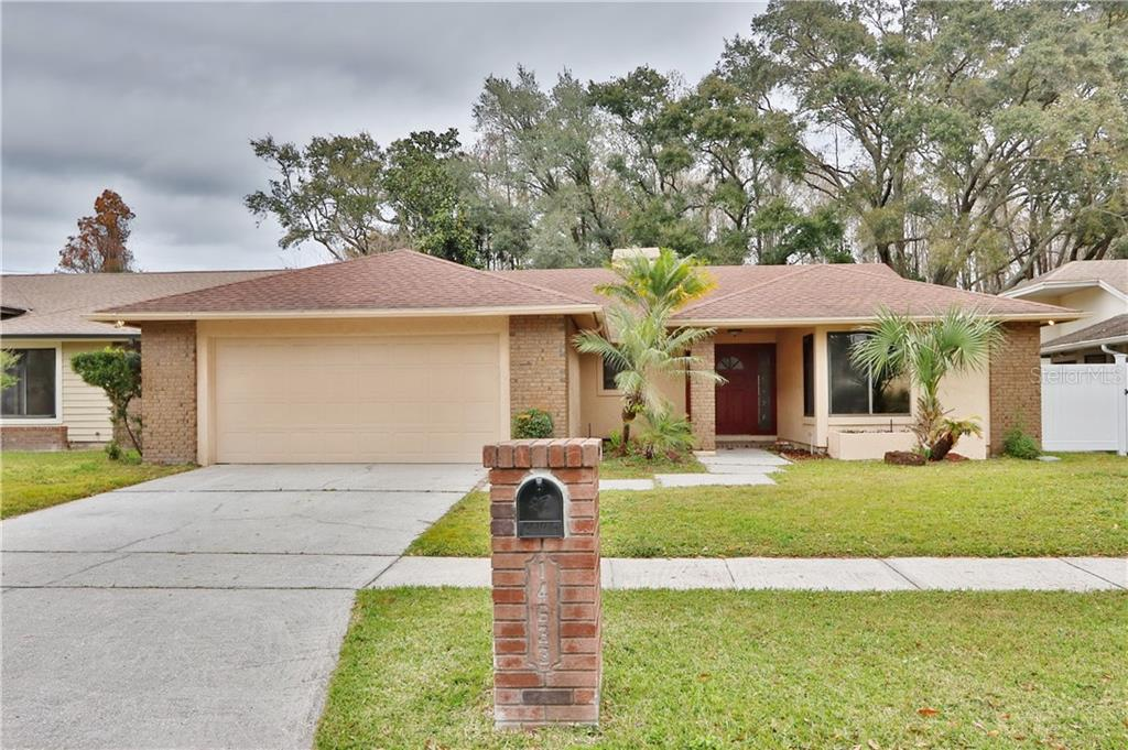 14633 VILLAGE GLEN CIR Property Photo - TAMPA, FL real estate listing