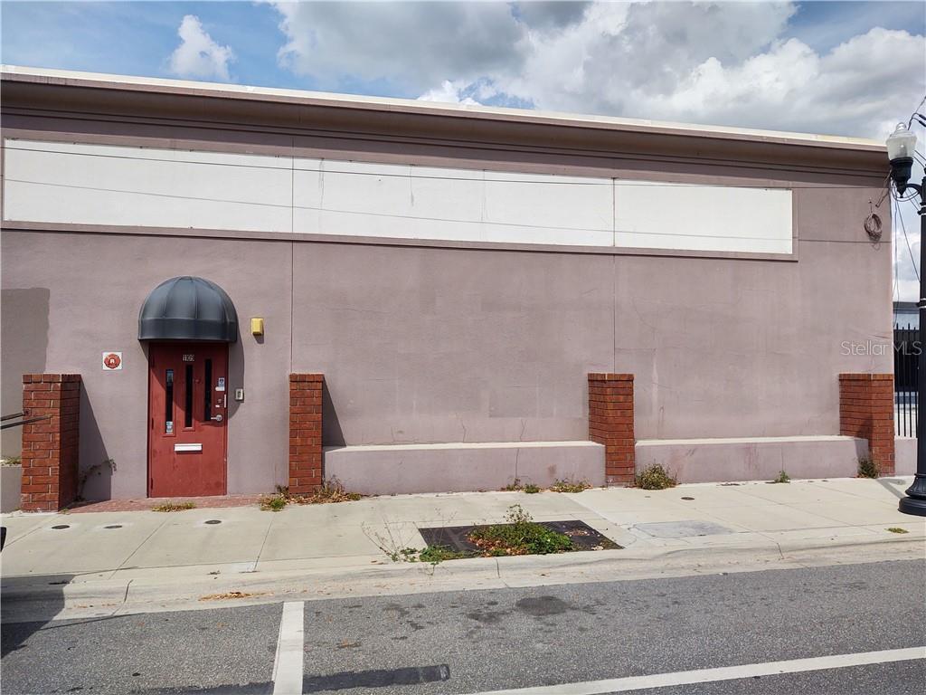 1109 W Church Street Property Photo